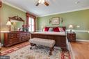 Spacious Owner's Suite with 2 Walk-ins - 38235 MILLSTONE DR, PURCELLVILLE