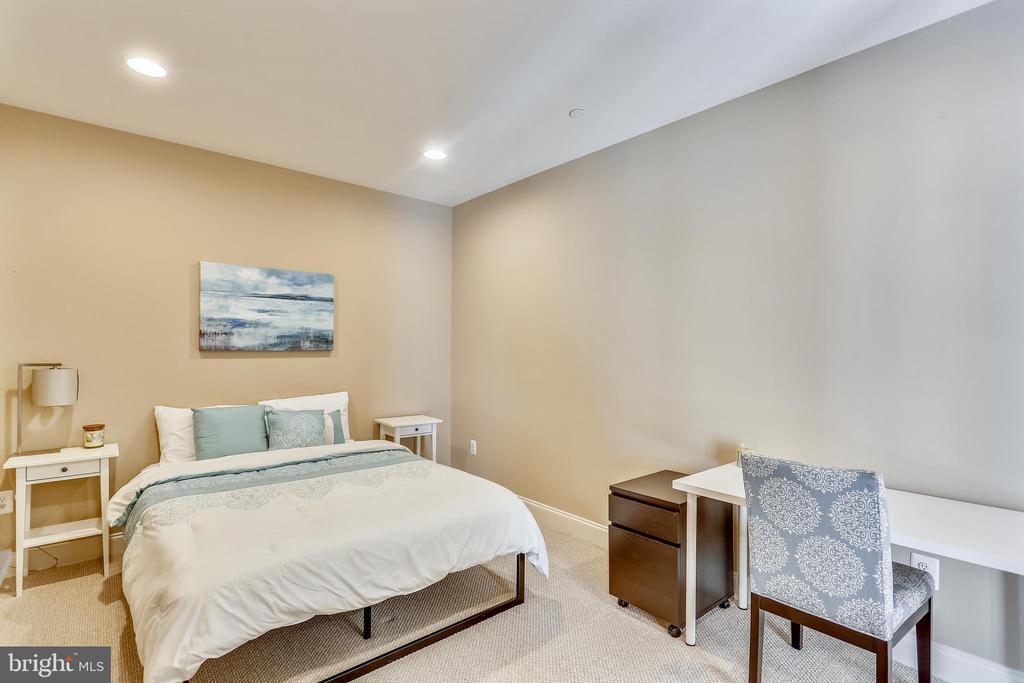 Lower Level Bedroom/Den - 402 BEALL AVE, ROCKVILLE