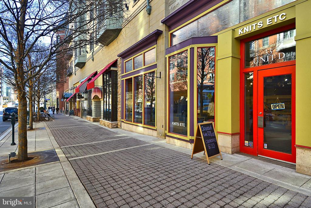 Downtown Rockville and Shopping - 402 BEALL AVE, ROCKVILLE