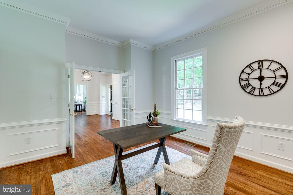 Pretty French doors for privacy - 11112 HAMPTON RD, FAIRFAX STATION