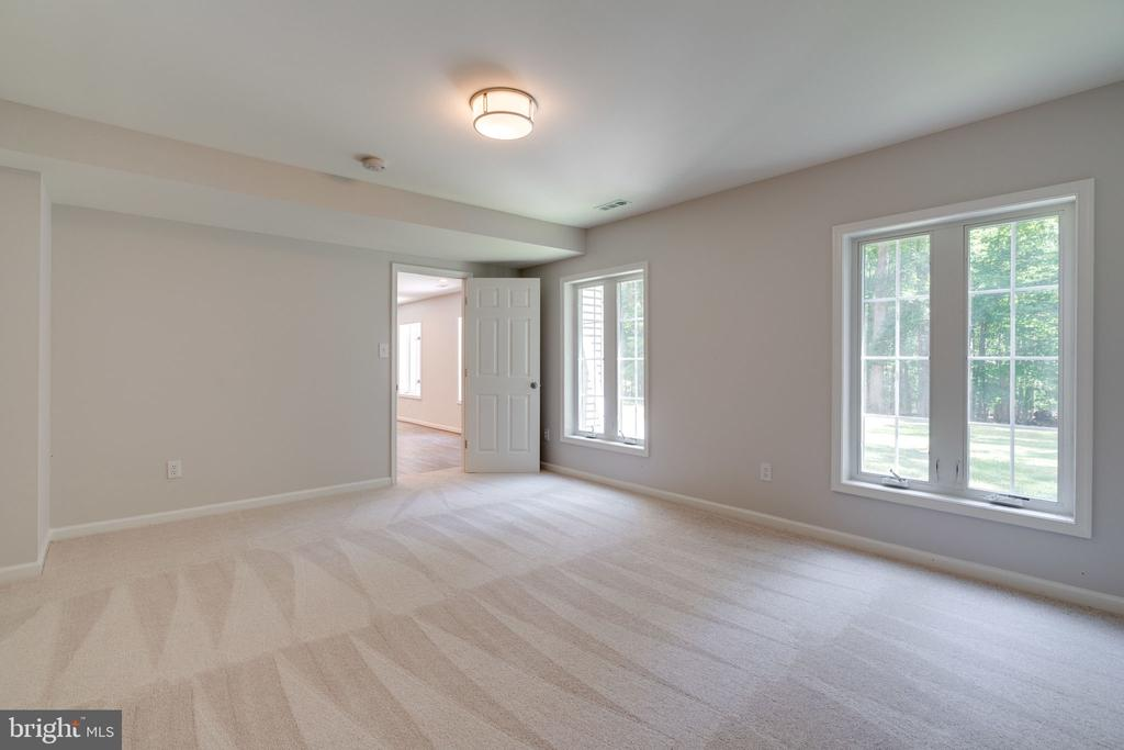 All bedrooms w/ brand new carpeting - 11112 HAMPTON RD, FAIRFAX STATION