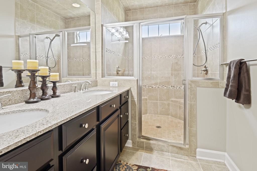 Master Bathroom - 44380 FOXTHOM TER, ASHBURN