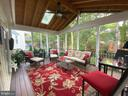 Enjoy the privacy - 6411 SPRINGHOUSE CIR, CLIFTON