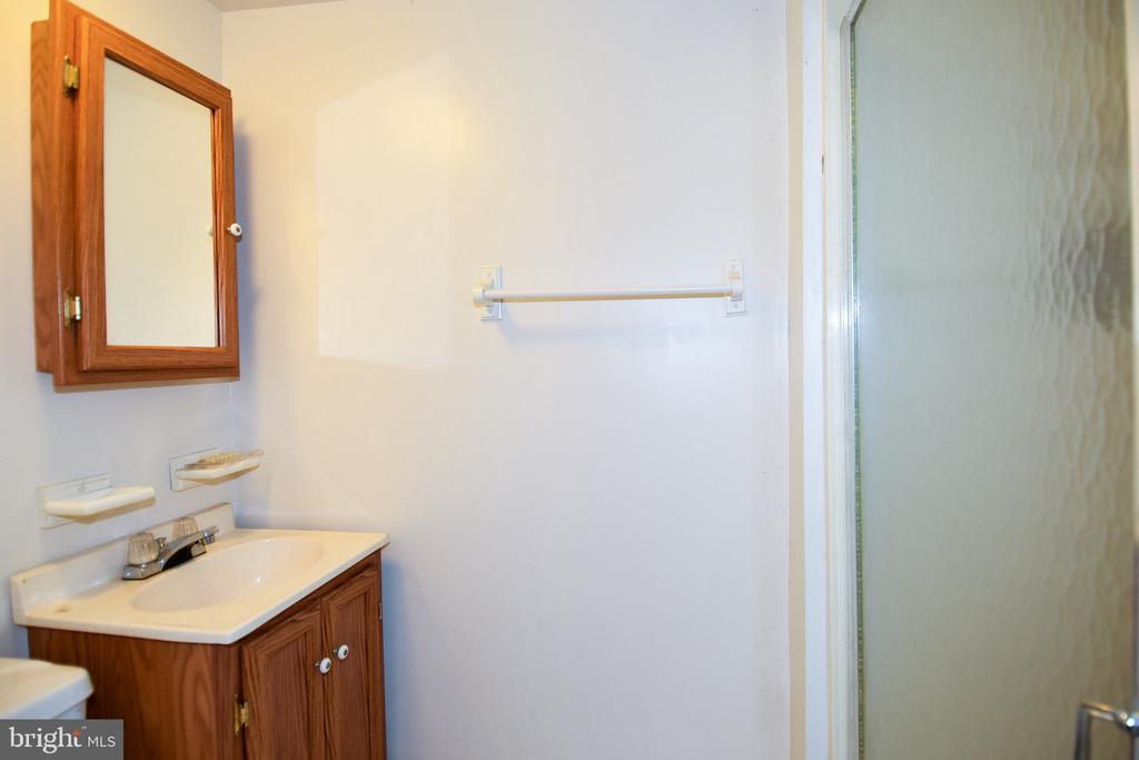 Bathroom - 222 OLDE CONCORD RD, STAFFORD