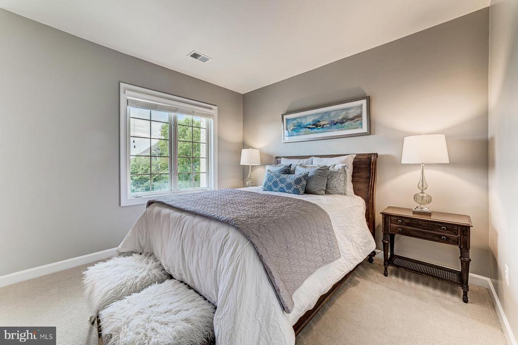 Bedroom 2 - 18382 FAIRWAY OAKS SQ, LEESBURG