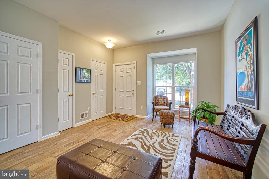 Open floor plan - 2442 OLD FARMHOUSE CT, HERNDON
