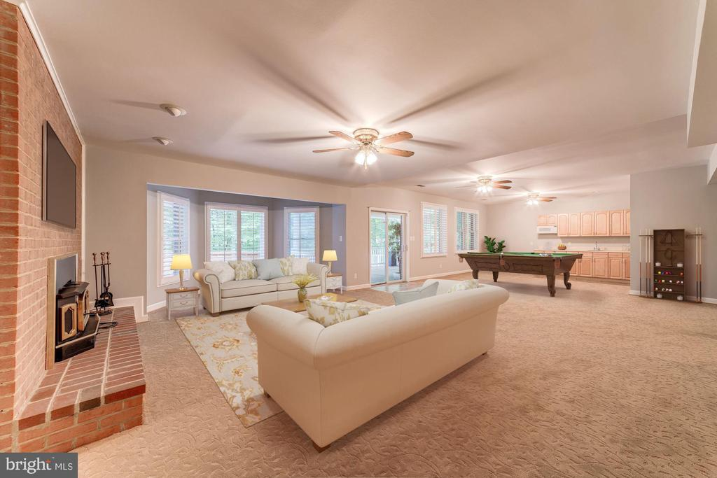 Spacious and luxurious Rec room - 7395 BEECHWOOD DR, SPRINGFIELD
