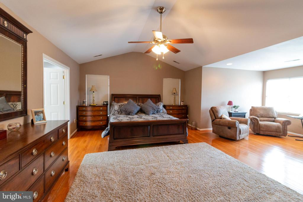 master suite - 1302 WANETA CT, ODENTON