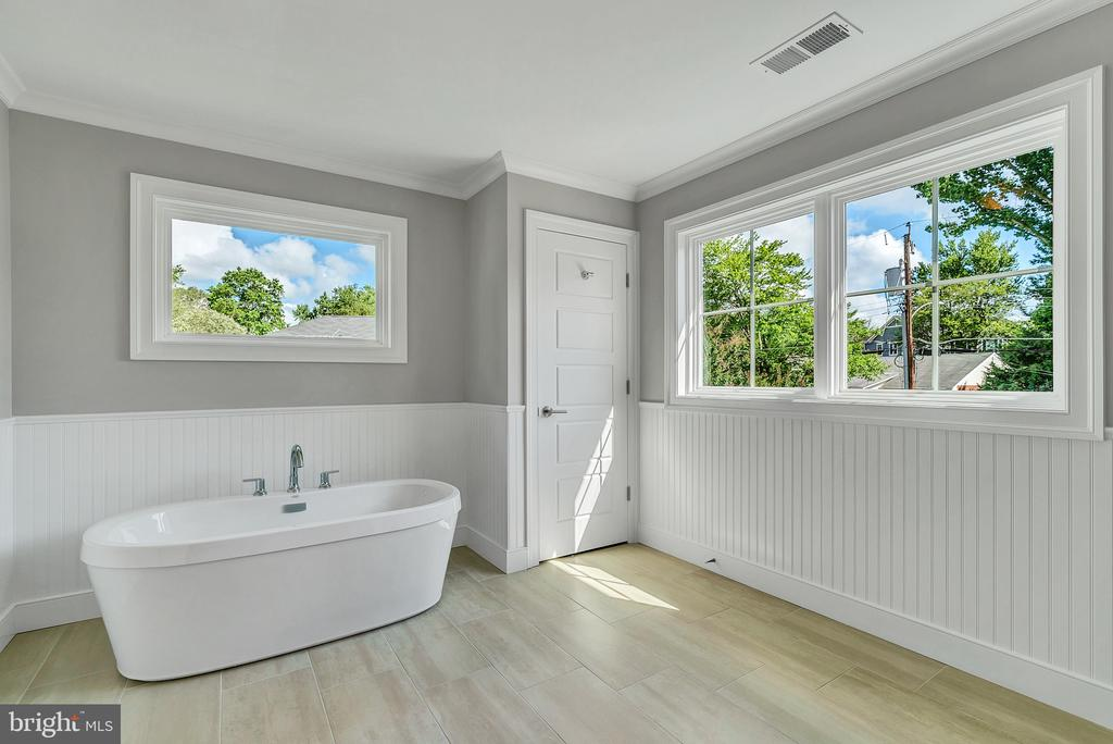 Primary Bath w/ Soaking Tub (Similar sold Home) - 1849 WARE RD, FALLS CHURCH