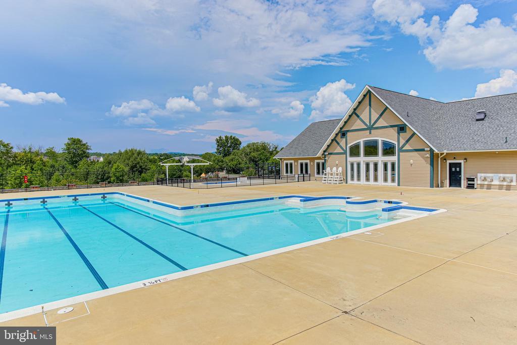 Community Pool - 4706 VONA LN, FREDERICK