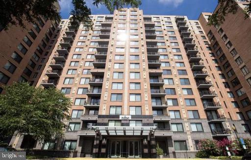 2451 MIDTOWN AVE #1004