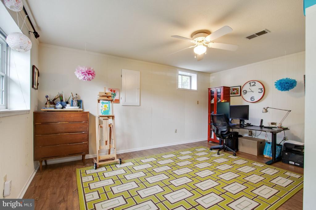 Craft Room/2nd Office in Lower Level - 20400 ALTAVISTA WAY, ASHBURN
