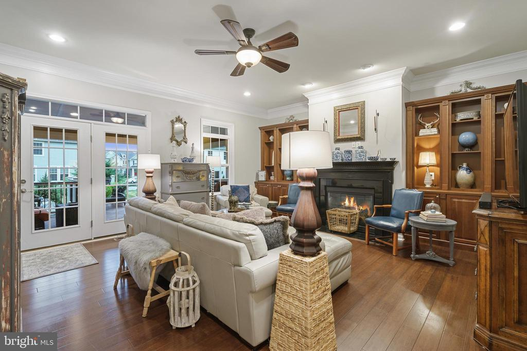 Fireplace - Cozy & Comfortable - 42050 MIDDLEHAM CT, ASHBURN