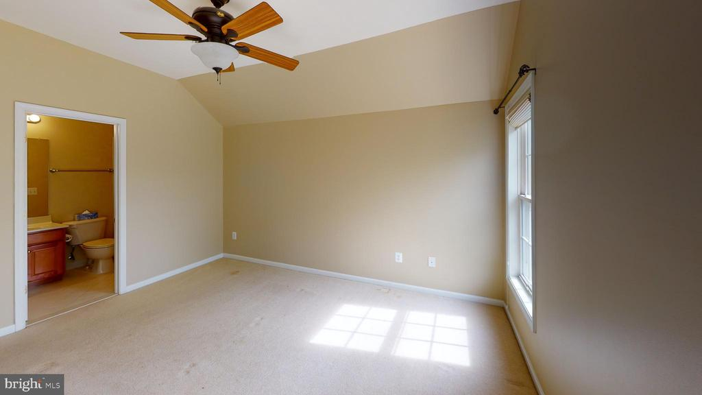 Bedroom #4 with its own bathroom - 1410 MACFREE CT, ODENTON