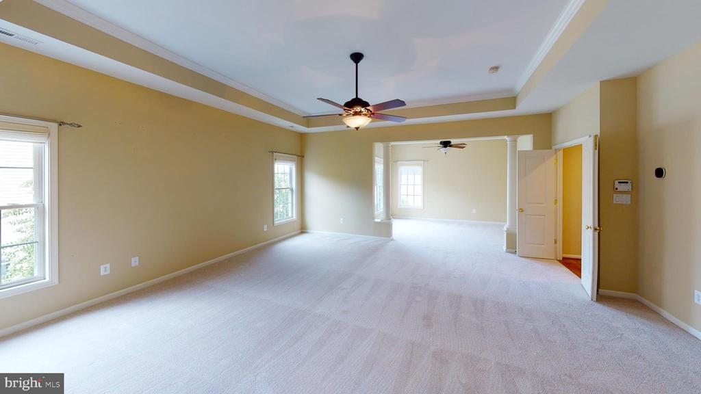 Master bedroom view of sitting room - 1410 MACFREE CT, ODENTON