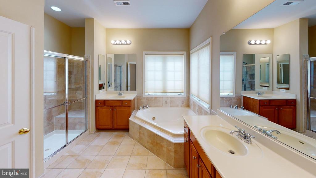 Master bathroom with separate shower & soaking tub - 1410 MACFREE CT, ODENTON