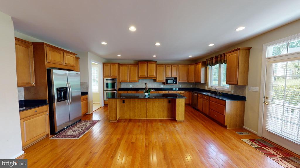 Kitchen with granite Counter tops - 1410 MACFREE CT, ODENTON