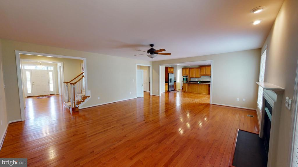 Family room - 1410 MACFREE CT, ODENTON