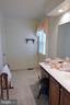 Full Upper Hall BA - 14504 S HILLS CT, CENTREVILLE