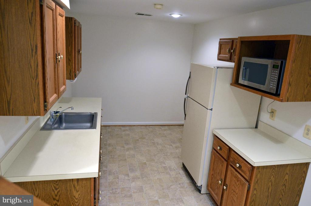 Lower Level Kitchenette - 14504 S HILLS CT, CENTREVILLE