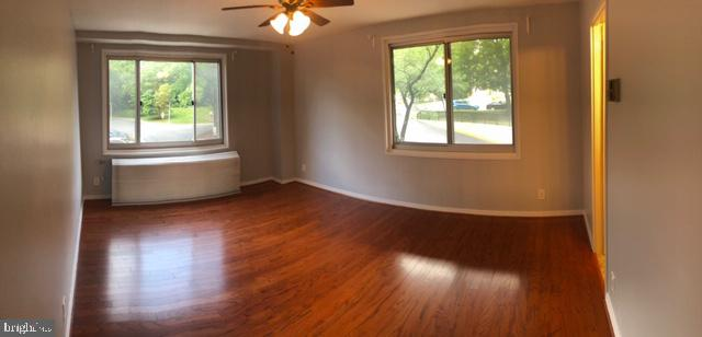 Master bedroom with full private bathroom. - 1900 LYTTONSVILLE RD #306, SILVER SPRING