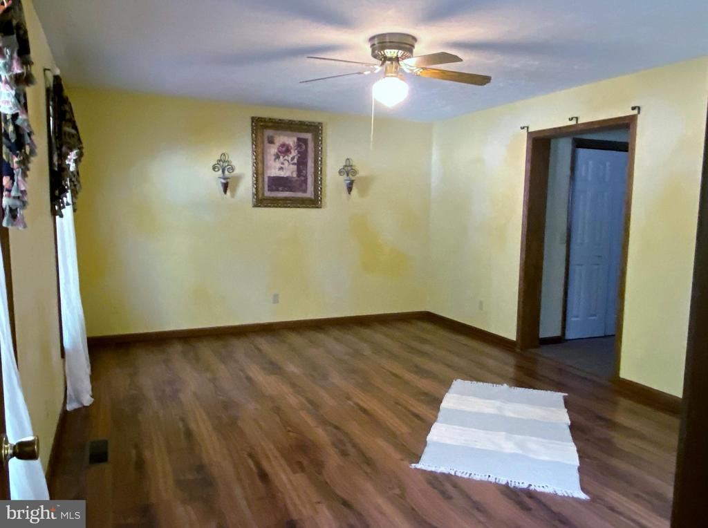 Master Bedroom - 544 WHITE PINE LN, BOYCE