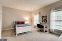 Lot's of natural light - 904 LOCUST ST, HERNDON