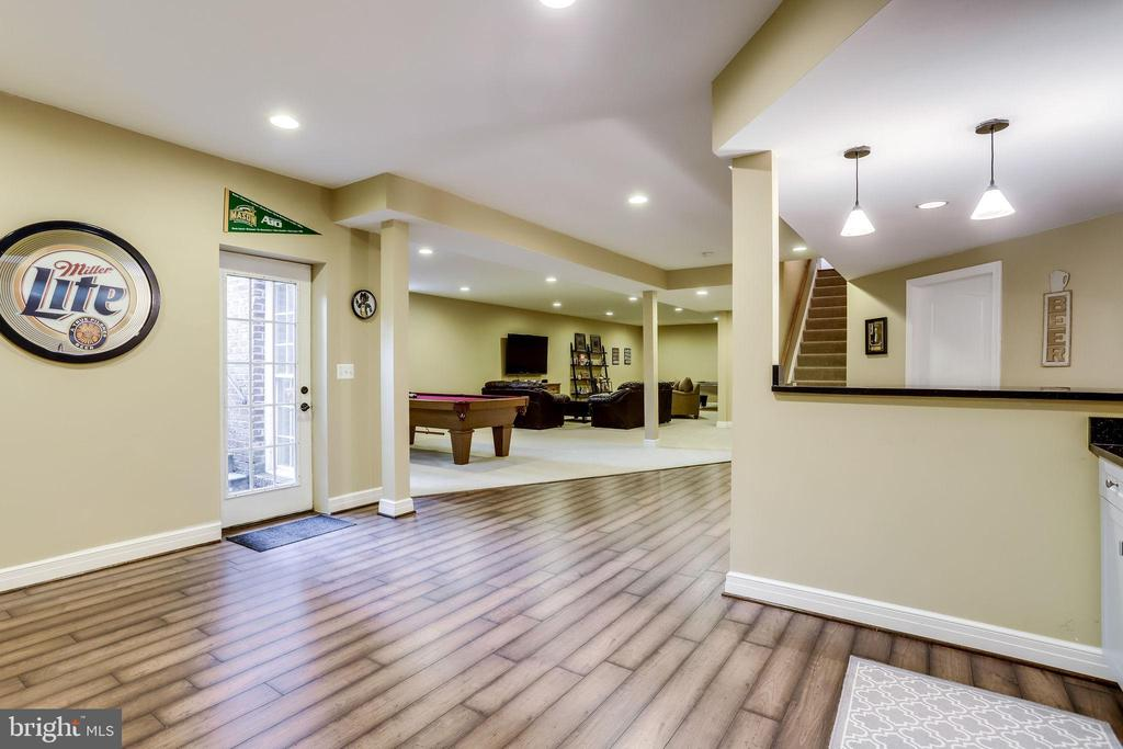 Basement is a walk-up with rear entrance - 904 LOCUST ST, HERNDON