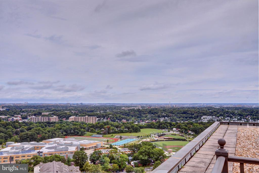 Roof top terrace to watch the DC fireworks - 3701 S GEORGE MASON DR #409N, FALLS CHURCH