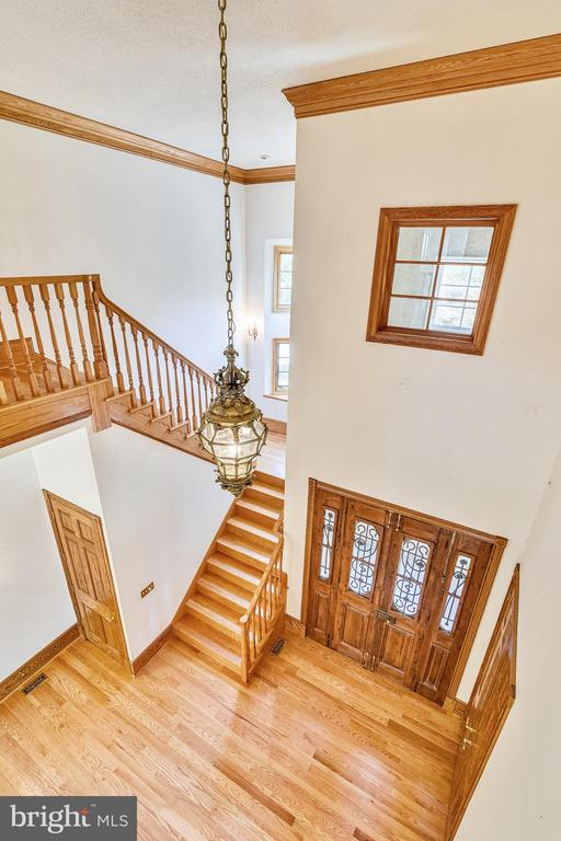 Lovely chandeliers DO convey! - 69 TWIN POST LN, HUNTLY