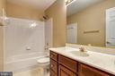Hall Bath - 43435 MINK MEADOWS ST, CHANTILLY