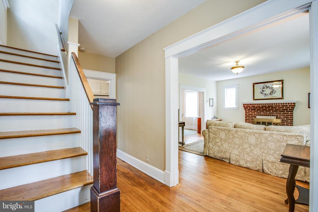 Entry Foyer into Living room - 809 MORTIMER AVE, FREDERICKSBURG