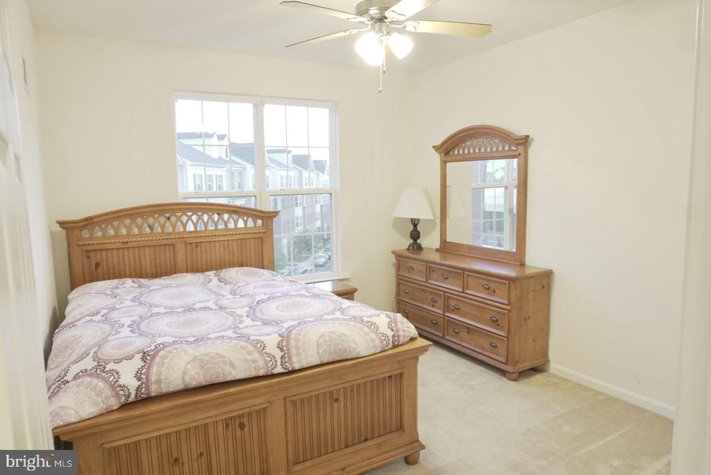 Bedroom #3 - 43891 CENTERGATE DR, ASHBURN
