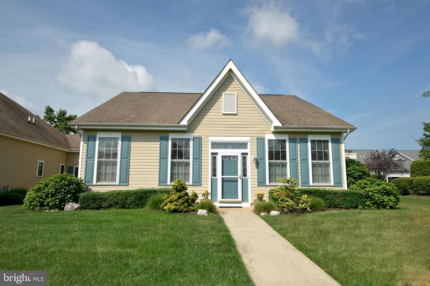Single Family Homes for Sale at Cranbury, New Jersey 08512 United States