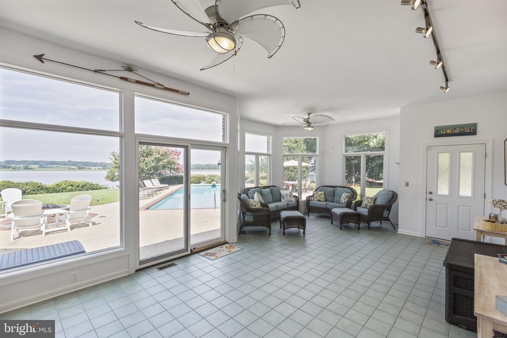 Sun room off the pool - 3580 DEEP LANDING RD, HUNTINGTOWN