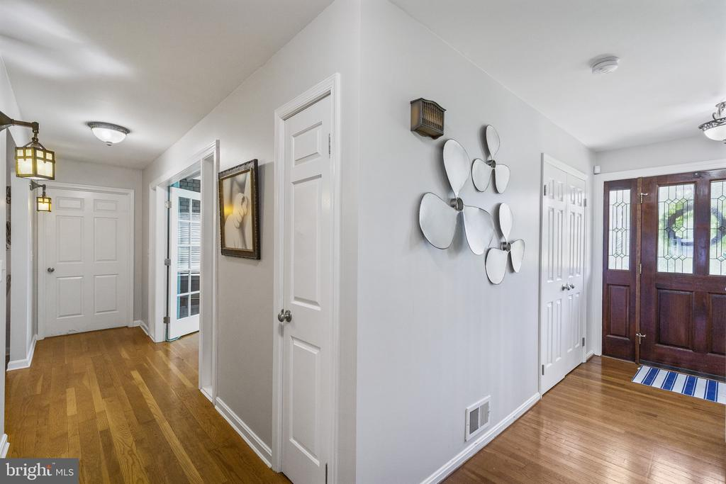 Entry foyer - 3580 DEEP LANDING RD, HUNTINGTOWN