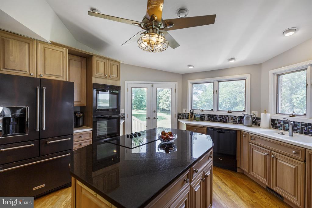Updated appliances and double ovens - 3580 DEEP LANDING RD, HUNTINGTOWN