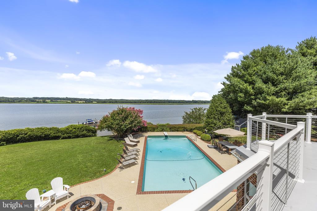 Private balcony off the owners suite - 3580 DEEP LANDING RD, HUNTINGTOWN