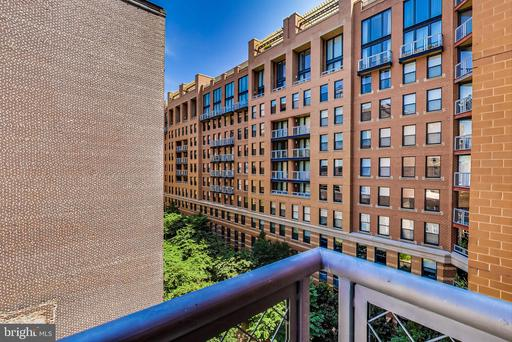 631 D ST NW #735