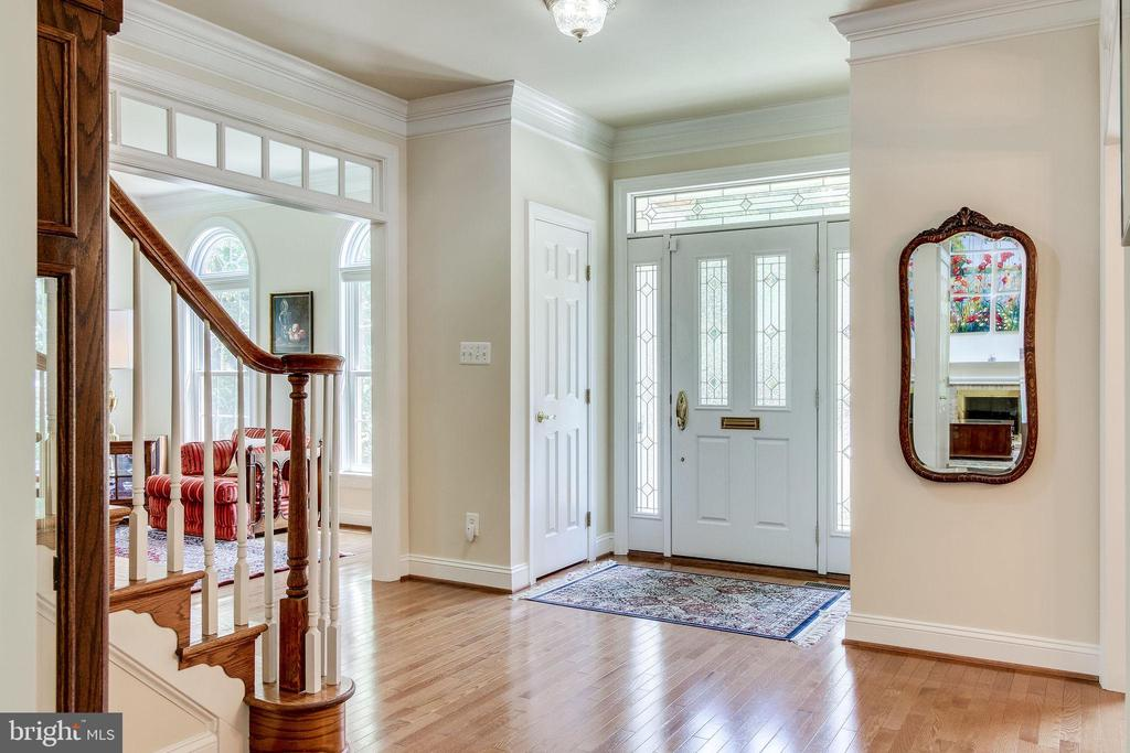Foyer - 3720 SPICEWOOD DR, ANNANDALE