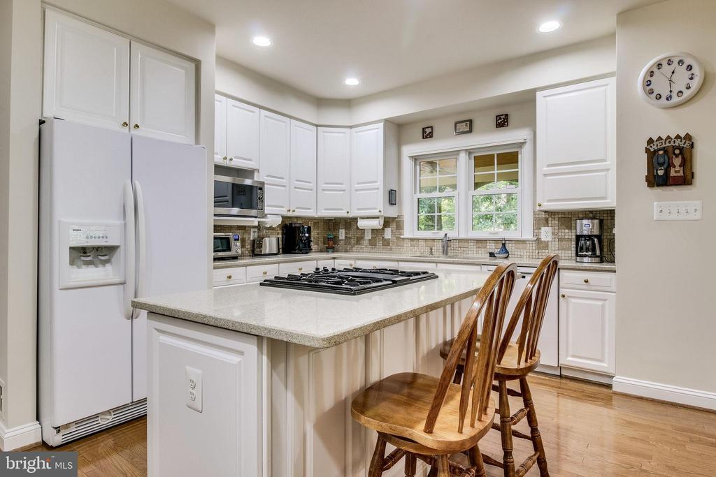 Granite Counters - 3720 SPICEWOOD DR, ANNANDALE