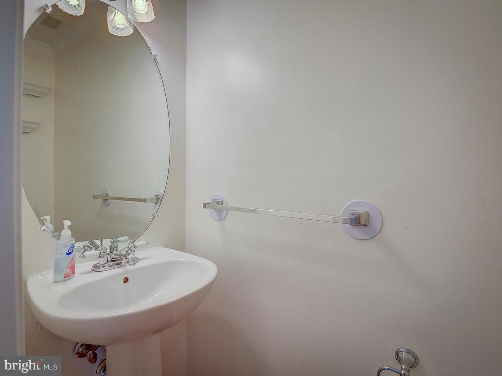 Main Level-Half Bath - 103 ENGLISH CT SW, LEESBURG