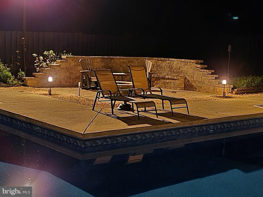 Relax by the Pool! - 1676 LOUDOUN DR, HAYMARKET