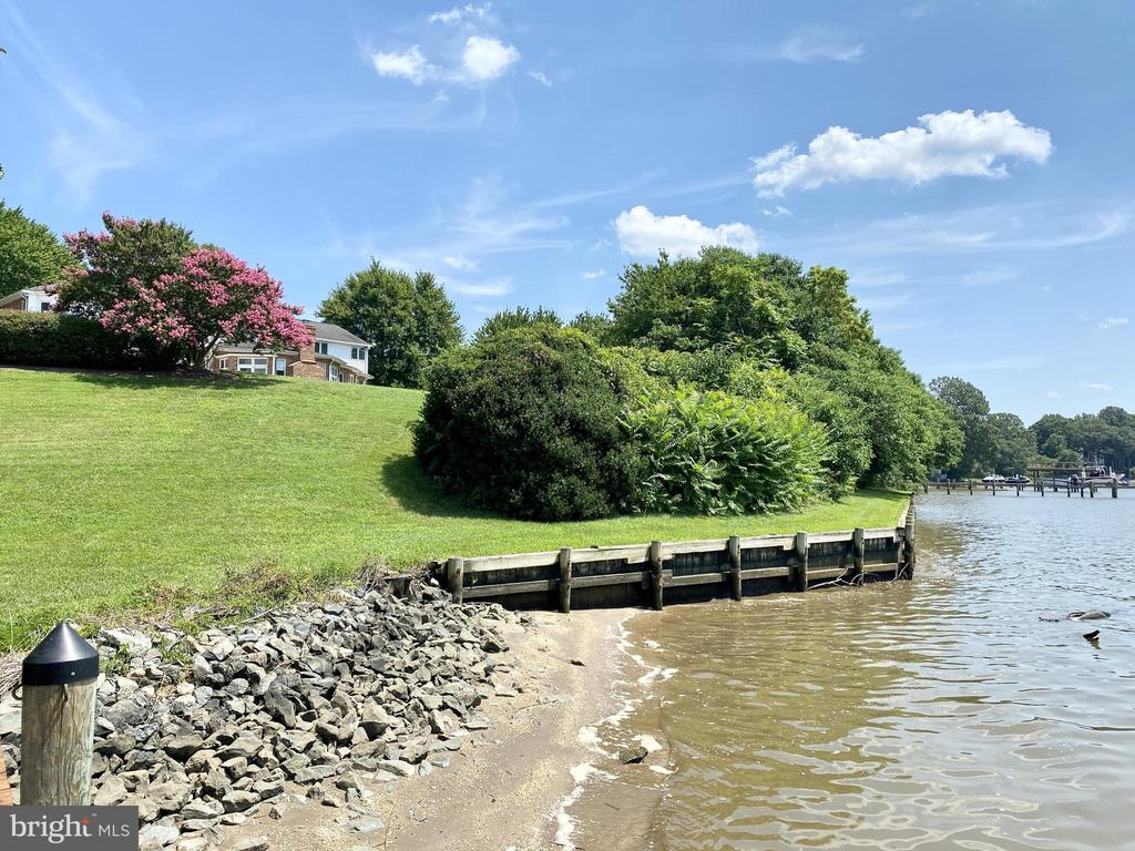Got you your own beach! - 3580 DEEP LANDING RD, HUNTINGTOWN