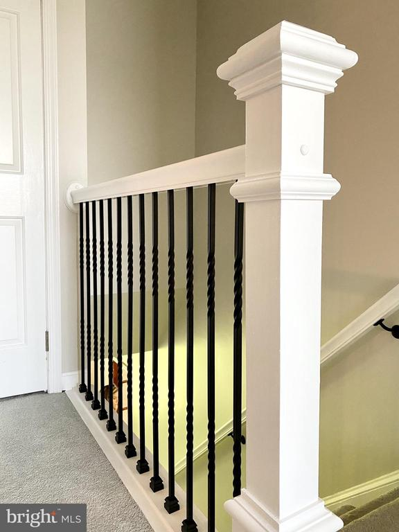 Upgraded stair rails - 3580 DEEP LANDING RD, HUNTINGTOWN