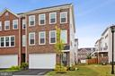 - 42275 LANCASTER WOODS SQ, CHANTILLY