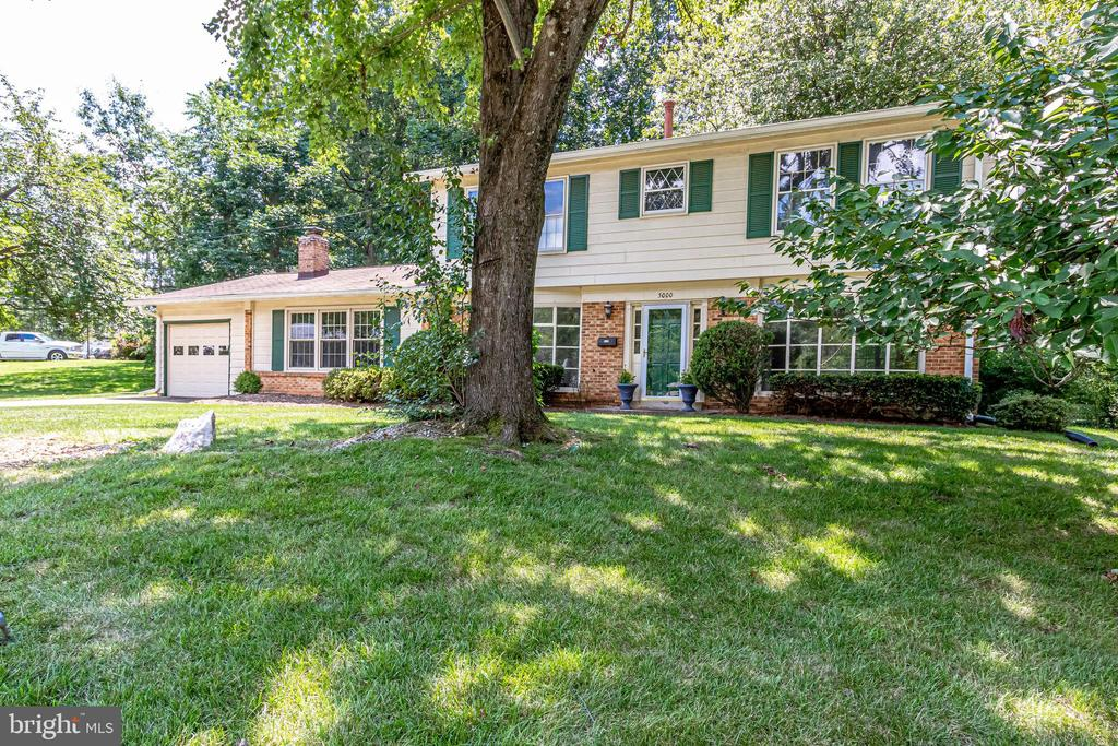 Welcome Home! - 5000 FLEMING DR, ANNANDALE