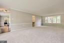 Lots of natural light and neutral, relaxing colors - 5000 FLEMING DR, ANNANDALE
