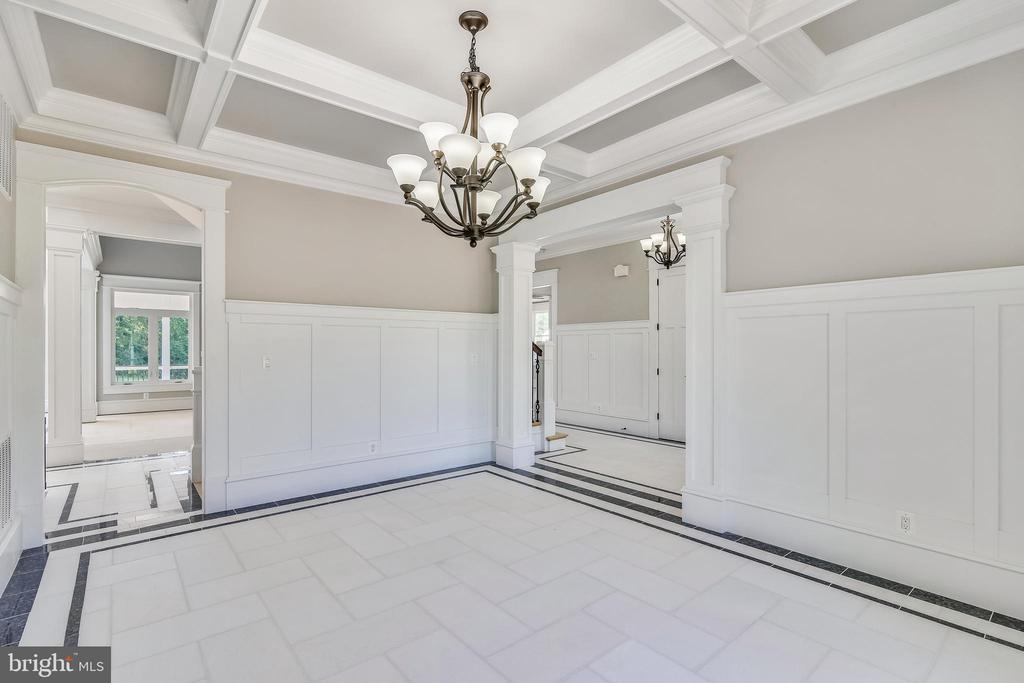 Flooring is marble with granite boarder - 14612 BRISTOW RD, MANASSAS
