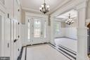 Beautiful foyer with luxurious finishes - 14612 BRISTOW RD, MANASSAS